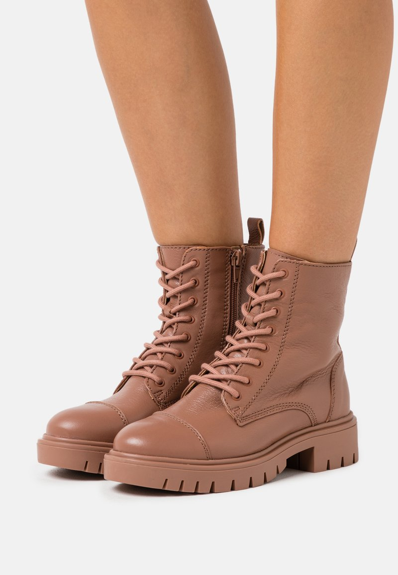 ALDO - REILLY - Lace-up ankle boots - bone