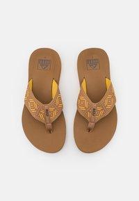 Reef - SPRING - T-bar sandals - saffron - 5