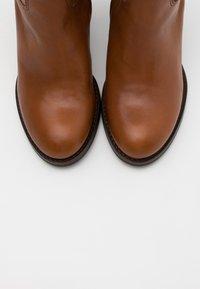 Lazamani - Boots - chestnut - 5