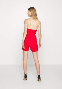 Missguided - BANDEAU PLUNGE BELTED PLAYSUIT - Combinaison - red - 2