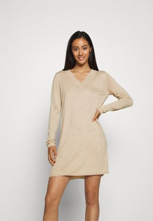 JDYZOE DRESS - Gebreide jurk - cement