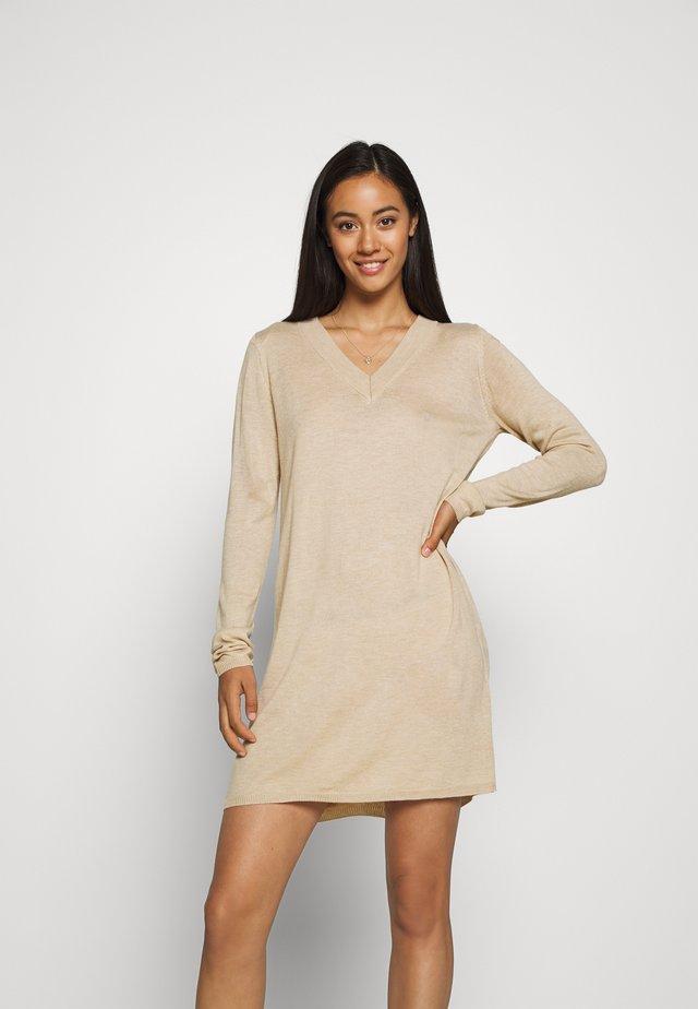JDYZOE DRESS - Vestido de punto - cement