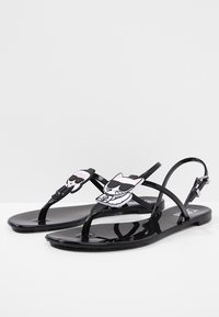 KARL LAGERFELD - JELLY IKONIC SLING - Pool shoes - black - 4