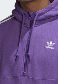 adidas Originals - STRIPES HOODIE - Mikina skapucí - purple - 3