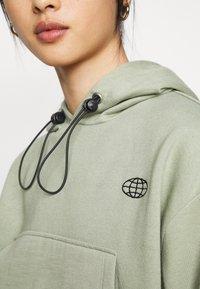 Topshop Petite - INTERNATIONAL SLOGAN HOODIE - Sweatshirt - stone - 4