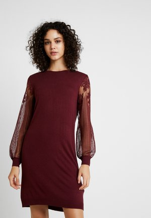 ONLVIKTORIA DRESS - Strikkjoler - tawny port