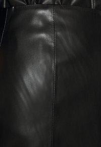 Freaky Nation - YANARA - Spódnica skórzana - black - 5