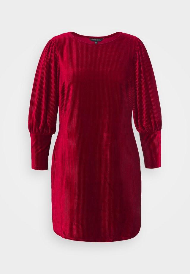 BALOON SLEEVE SHIFT DRESS - Etui-jurk - mulberry
