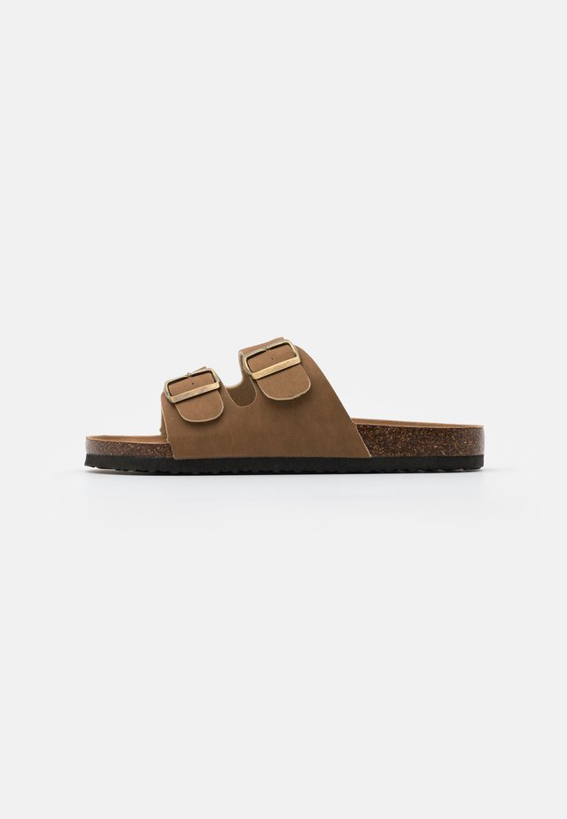 DOUBLE BUCKLE - Slippers - brown