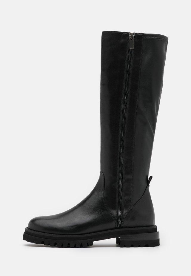 Kozaki - noir