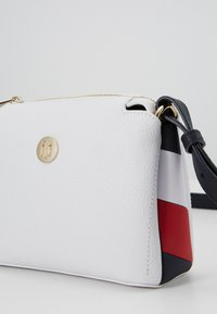 Tommy Hilfiger - Across body bag - white - 4