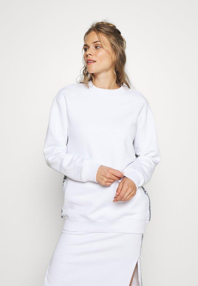 BOUNCE LOGO CREW - Collegepaita - white