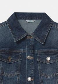 Guess - CORE JUNIOR - Denim jacket - deep light denim - 2