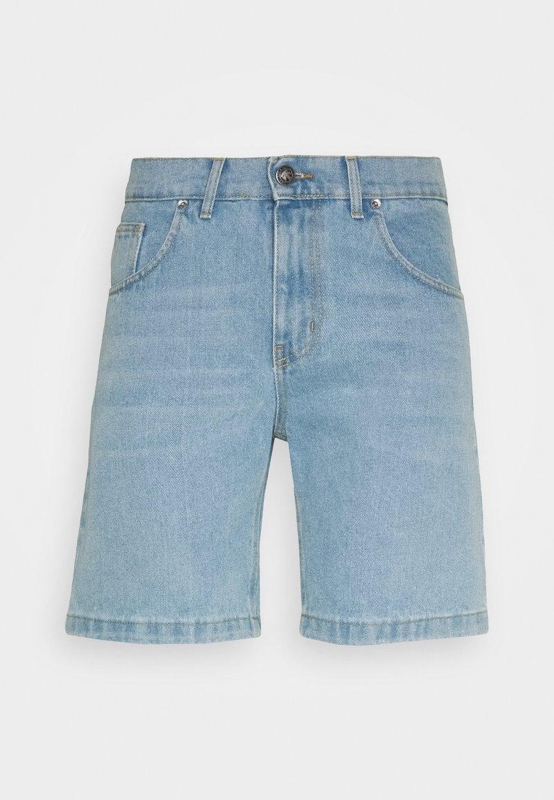Kaotiko - BAGGY  - Denim shorts - blue