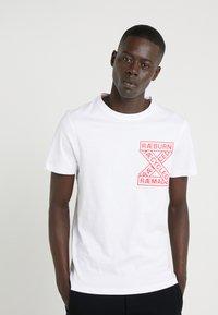 Raeburn - T-shirt con stampa - white - 0