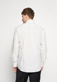 HUGO - JENNO SLIM FIT - Camicia elegante - natural - 0