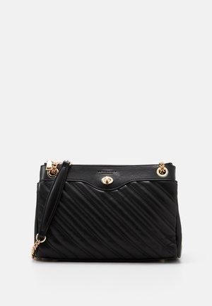 VANTAA - Käsilaukku - black
