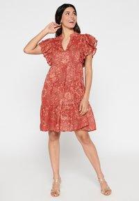 LolaLiza - TATIANA  - Korte jurk - red - 1