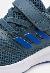 adidas Performance - RUNFALCON I UNISEX - Laufschuh Neutral - legend blue/royal blue/signal green - 5