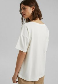 Esprit Collection - Basic T-shirt - off white - 2