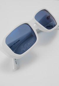Arnette - Occhiali da sole - white - 3