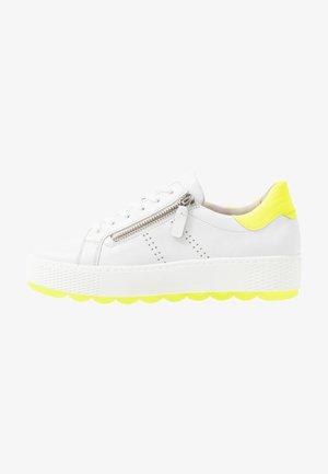Sneakers basse - weiß/neongelb