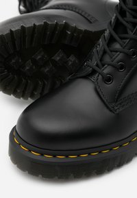 Dr. Martens - 1490 BEX - Veterlaarzen - black smooth - 4