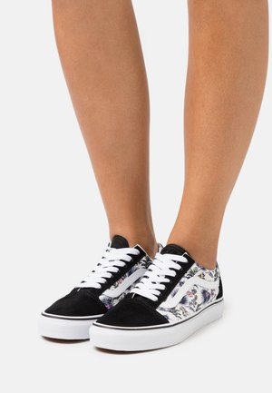 OLD SKOOL - Zapatillas - orchid/true white