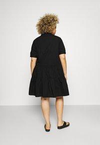 Vero Moda Curve - VMDELTA DRESS - Robe chemise - black - 2