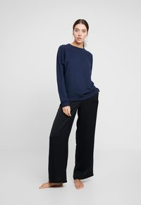 Tommy Hilfiger - TRACK - Pyjama top - navy blazer - 1
