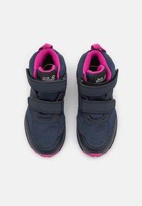 Jack Wolfskin - WOODLAND TEXAPORE MID UNISEX - Hiking shoes - blue/pink - 3
