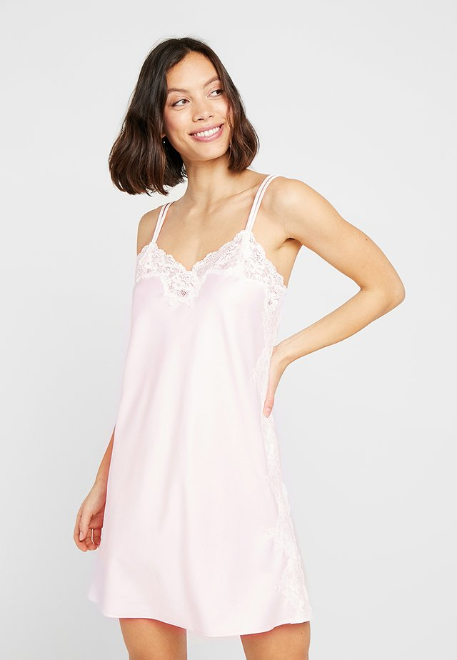 CHEMISE - Nattskjorte - pink