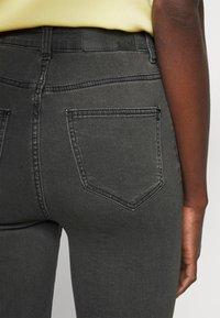 Noisy May Tall - NMCALLIE - Jeans Skinny Fit - dark grey denim - 3