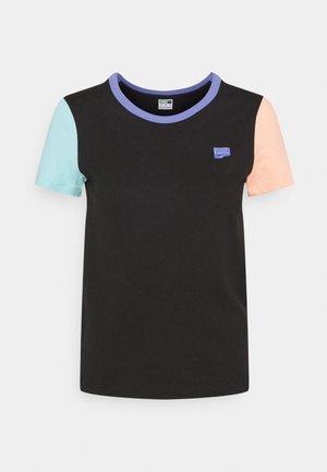 DOWNTOWN SMALL LOGO TEE - Camiseta estampada - black