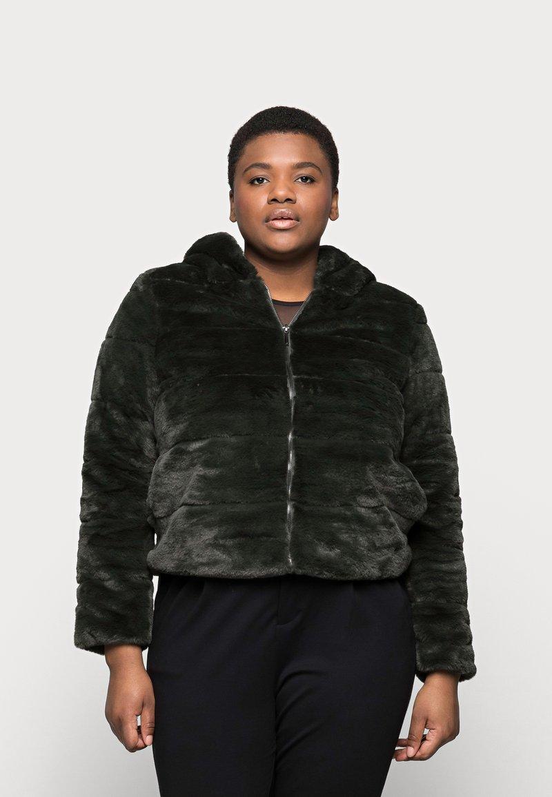 ONLY Carmakoma - CARCHRIS HOODED JACKET - Light jacket - dark green