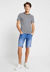 CELIO - NOBROB - Jeans Shorts - blue - 1