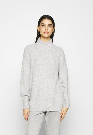 LOFTY TURTLE NECK - Jumper - silver grey