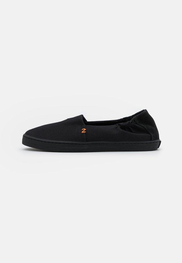 FUJI - Slippers - black