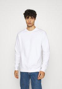 Pier One - 2 PACK - Sweatshirt - white/black - 1