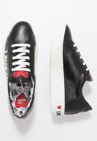 Love Moschino - GRAPHIC - Zapatillas - black - 3