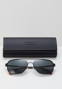 Burberry - Sluneční brýle - matte black - 3