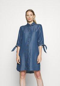 comma - Denimové šaty - dark blue - 0