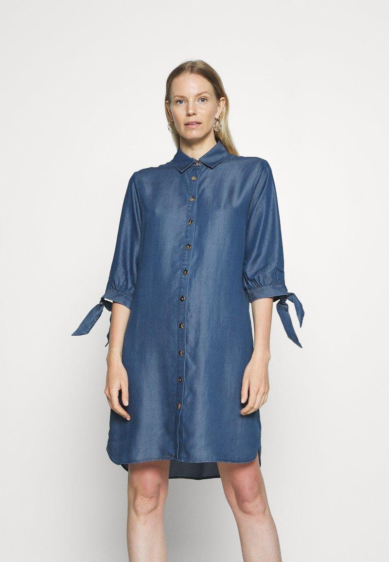 comma - Denimové šaty - dark blue