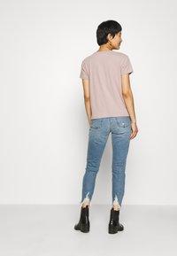 Abercrombie & Fitch - PARIS LOGO TEE  - T-shirt imprimé - pink - 2