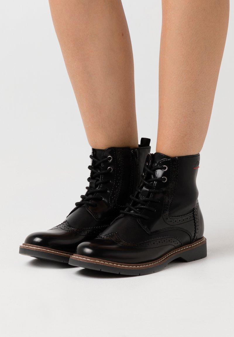 s.Oliver - BOOTS - Botki sznurowane - black