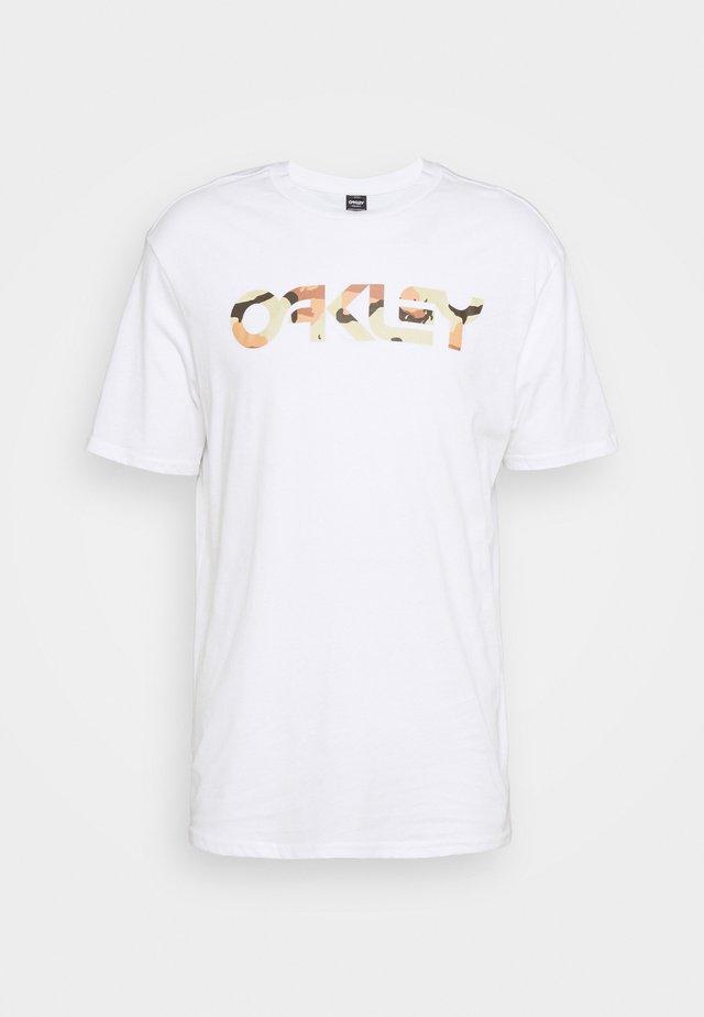 MARK II TEE - T-shirt imprimé - white/camo desert