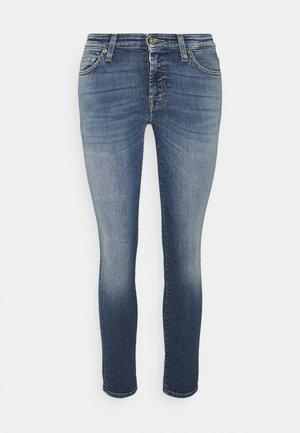 PYPER CROP SLIILLBEY - Jeansy Skinny Fit - light blue