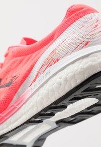 adidas Performance - ADIZERO BOSTON 9 M - Zapatillas de running estables - signal pink/core black/copper metallic - 5