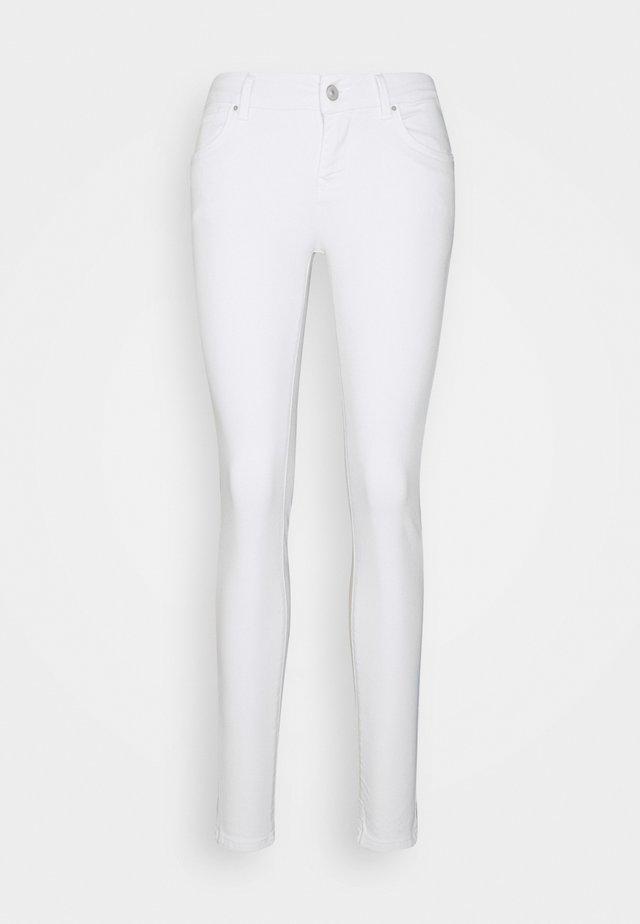 NICOLE - Skinny džíny - white