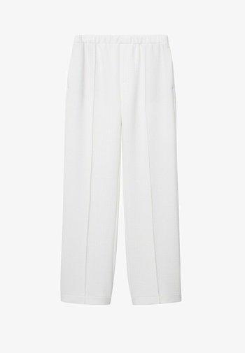 MIT STRUKTUR - Trousers - cremeweiß